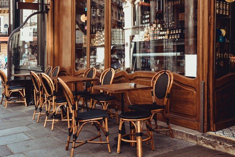 Открыть кафе в Париже: это реально?