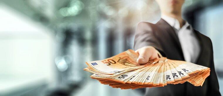 Деньги   как  социальное  явление