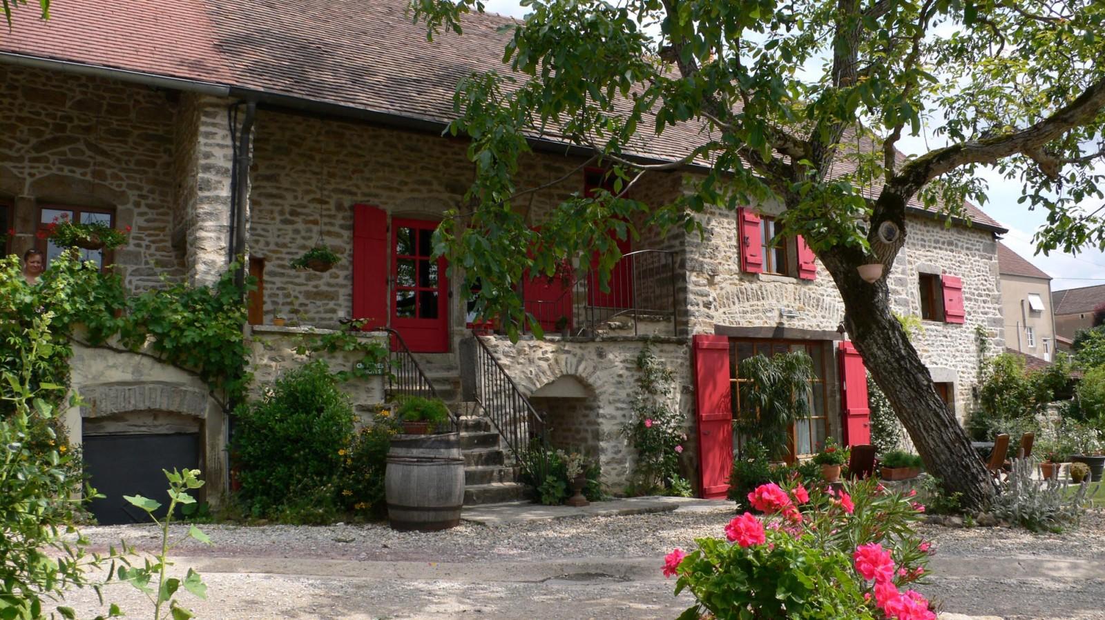 Купить дом во франции эконом класс ростов дубай прямой